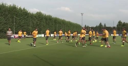 Juventus Warm Up