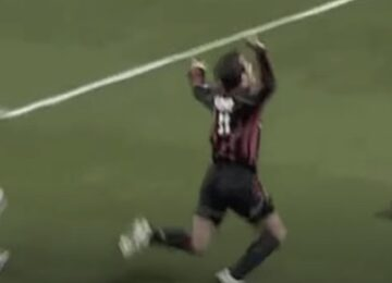 Soccer Dive