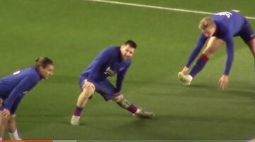 Messi Stretching