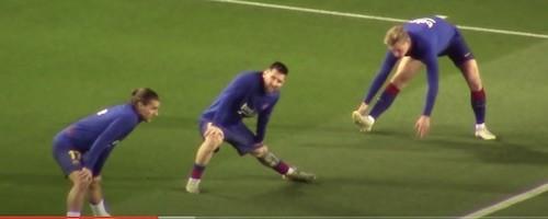 Messi Stretching